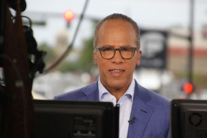 Lester Holt. Photo (cc) 2016 by Hermann.